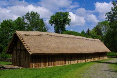 So wohnte man früher - ein jungsteinzeitliches Langhaus